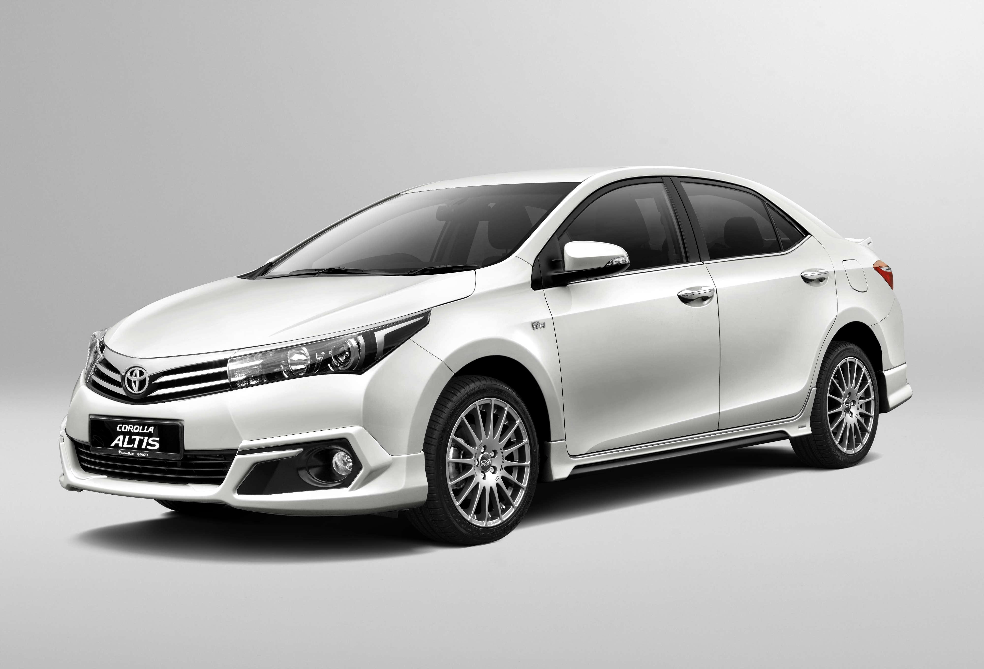 Toyota Altis 2015 – 2016
