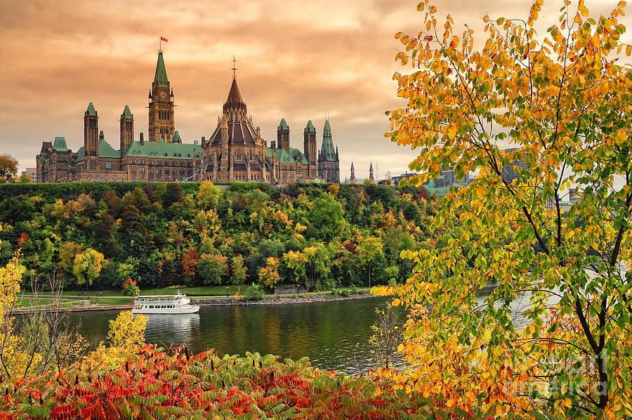 Du lịch Canada - Parliament Hill