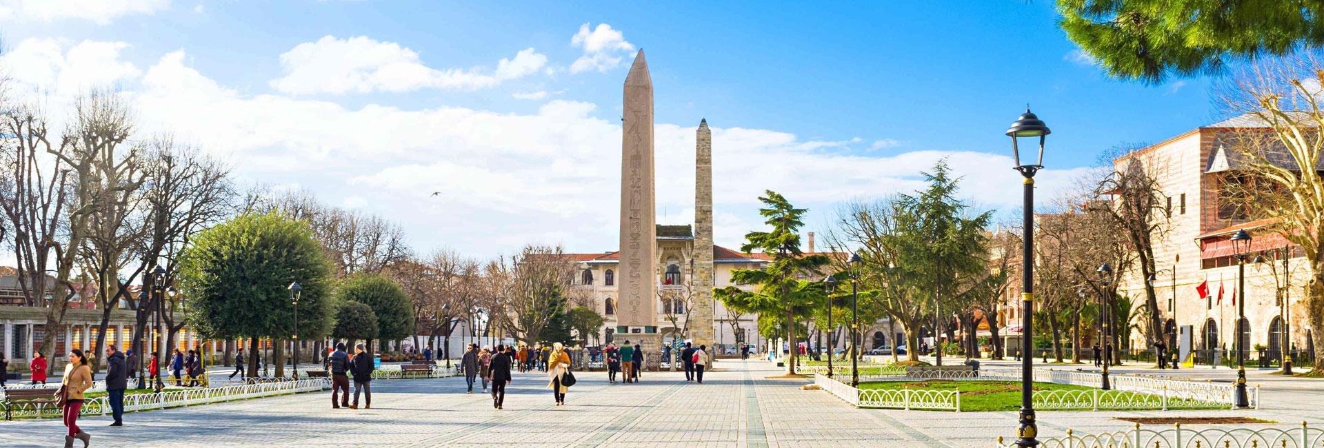tho-nhi-ky-Hippodrome-Istanbul-HNHTravel