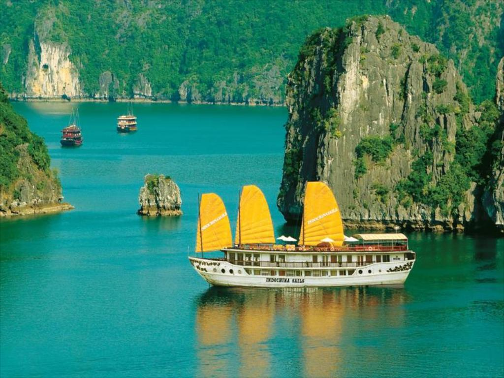 Du lịch Hạ Long: Indochina Sails Cruise
