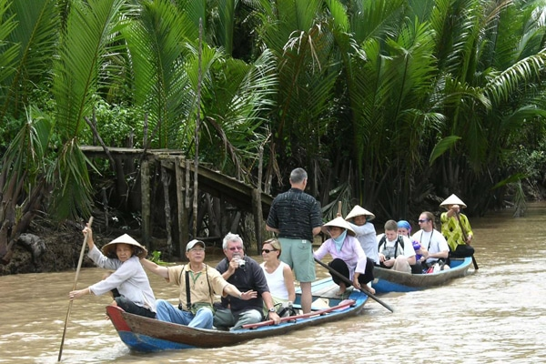 Mekong Delta ful day tour (Seat in coach)